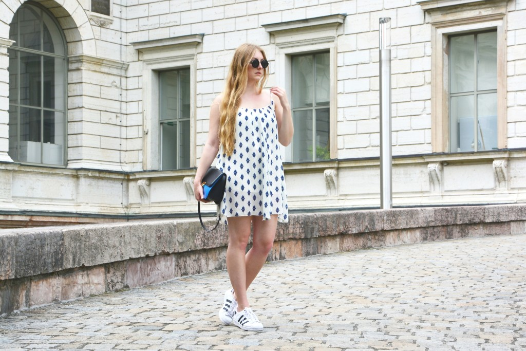 Ethno dress and sneakers