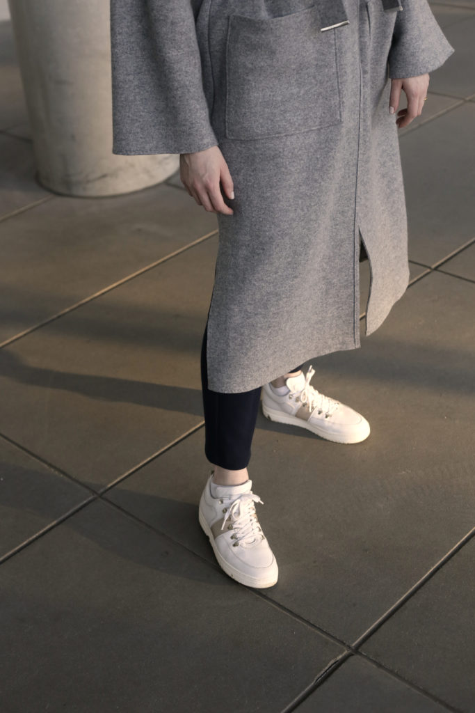 Übergangsmantel Wolle DeBijenkorf Passion Hearts Nubikk Sneakers