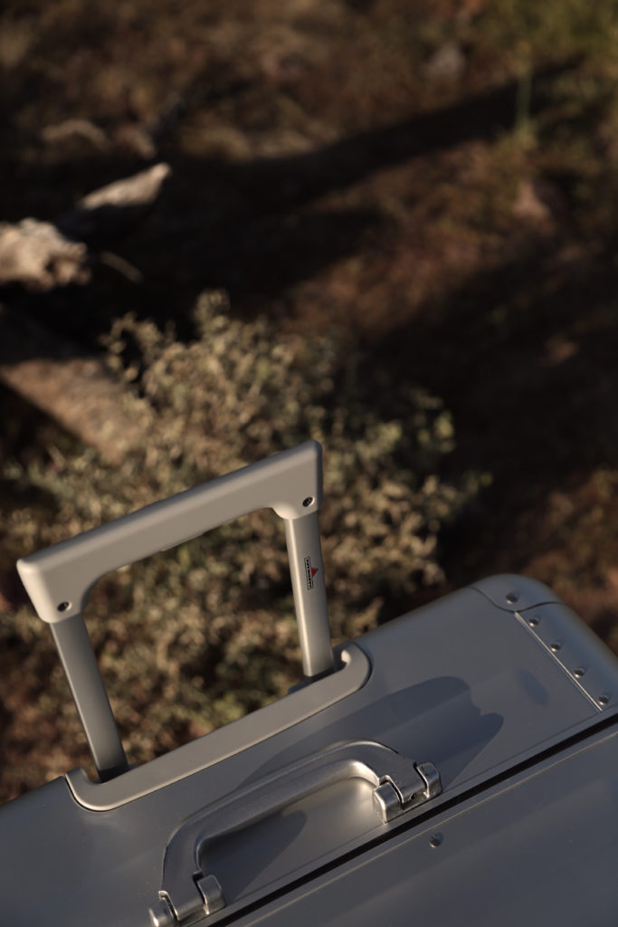 Hardware Koffer Aluminium silber Griff